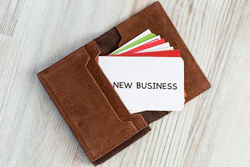 リアルワールドとラクスルが業務提携、ネット印刷で中小企業や個人商店をサポートのサムネイル画像