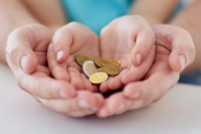 贈与税の非課税財産や非課税制度を知って節税しよう!のサムネイル画像