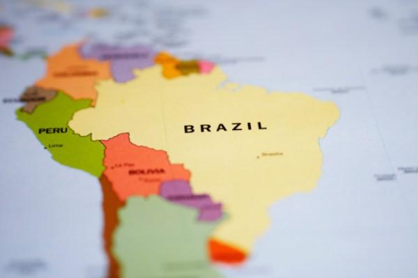 ブラジル国債の格下げ、投資家の投信はどうすればいい?