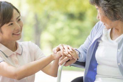 介護大手「収益改善」へ 海外展開に注目集まるのサムネイル画像