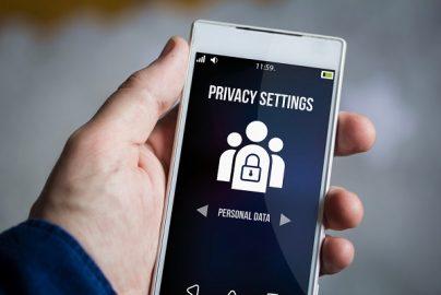 スマホで連絡先やWeb閲覧履歴、写真にアクセスするアプリを容認しないユーザが84%のサムネイル画像