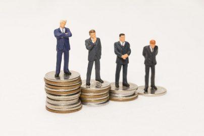 「高額年収企業ランキング」発表、稼げる企業1位はどこ?のサムネイル画像