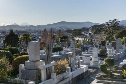 死んでからでは遅い? でも早すぎもよくない……いつ買う?「お墓」のサムネイル画像