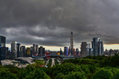中国当局「株価バブル警戒」 中国株式市場は投機中心のサムネイル画像