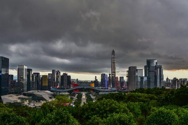 中国当局「株価バブル警戒」 中国株式市場は投機中心