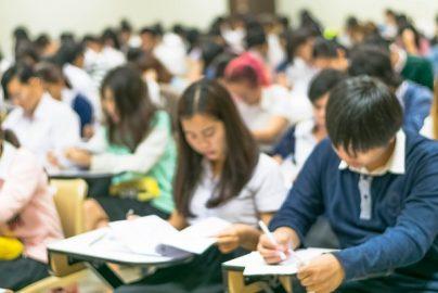 「なくした受験票が見つかった」と個人情報を聞く詐欺も? 中国の受験シーズンのサムネイル画像