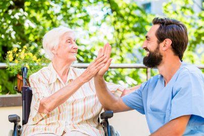 高額所得者の介護サービスの自己負担が3割に 介護保険関連法改正のサムネイル画像