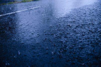 「ゲリラ豪雨」対策急務 投資テーマの本命格は?のサムネイル画像