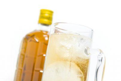 食中酒が人気? 酒類市場縮小続くもハイボールとチューハイは好調のサムネイル画像
