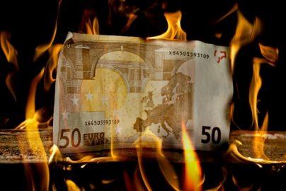 銀行員が『捨てられる銀行2 非産運用』に冷淡な理由のサムネイル画像