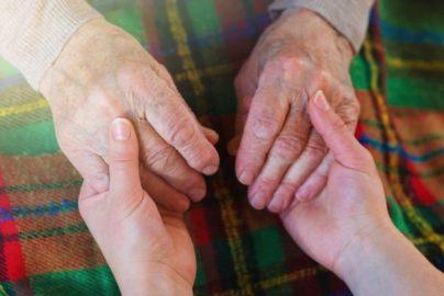 超高齢化社会の「相続問題」‐相続人以外の貢献にどう報いるか-相続法改正中間試案シリーズ(4)(完)のサムネイル画像