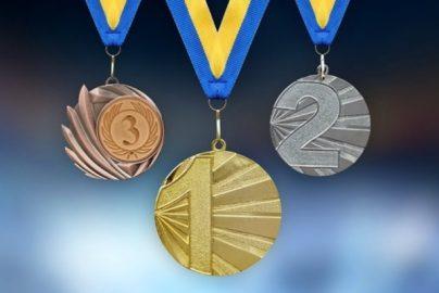 メダリストが魅せる「ガッツポーズ」-「五輪メダル」よもやま話(その2)のサムネイル画像