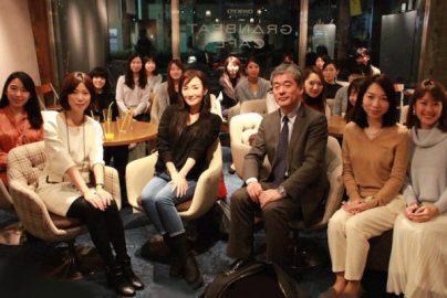 川崎貴子さん、東証が指南「きんゆう女子。」とのQ&A【結婚と投資の必勝法】のサムネイル画像