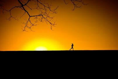 幸せな人生には◯◯が必要?「70年以上の追跡調査」で見えてきたことのサムネイル画像