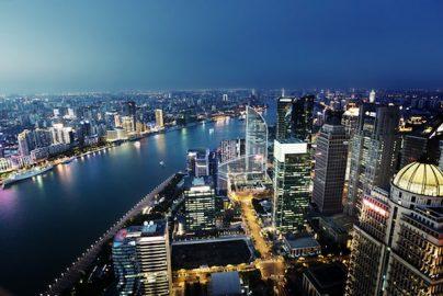 「足踏み状態」の中国株市場 日本企業への影響は?のサムネイル画像