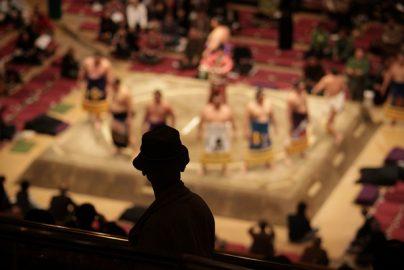 大相撲春場所「稀勢の里」に注目 「株式番付」の横綱は?のサムネイル画像