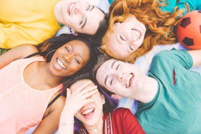 日本の15歳の幸福度は47カ国・地域中42位 首位は意外な国?のサムネイル画像
