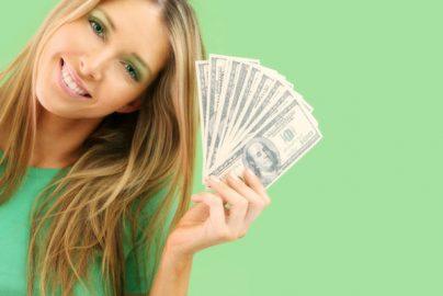 新社会人が知っておきたい「お金の三大テーマ」 保険、クレジットカード、銀行のサムネイル画像