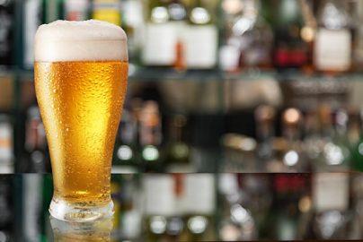 ビール大手アサヒの業績が好調な理由 「国内ビール販売は過去最低」なのに、なぜ?のサムネイル画像