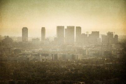 「世界で最も環境汚染度の高い国ランキング」石油大国が上位独占のサムネイル画像