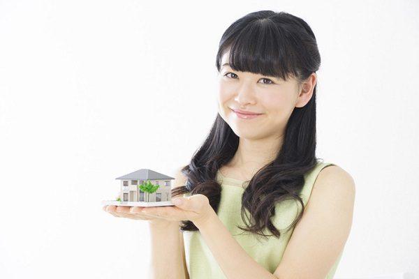 単身女性の住宅購入「約5人に1人」が年収200万円台 購入金額の平均は?