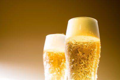 冷夏の影響は?「ビール大手3社」の株価を比較のサムネイル画像