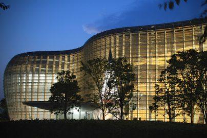ビジネスマンにおすすめしたい 夏限定「夜の美術館・博物館」東京都内6選のサムネイル画像