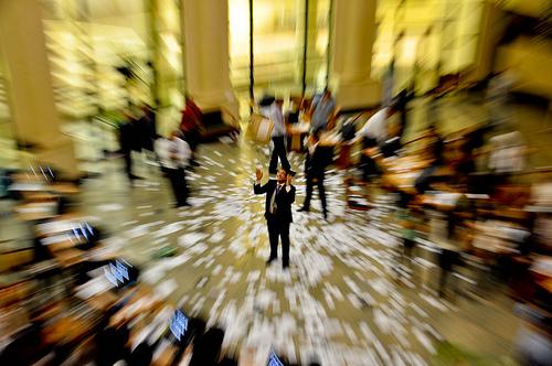 崩壊したソーシャルバブル~バブル崩壊の仕組みと今後の注意点~のサムネイル画像