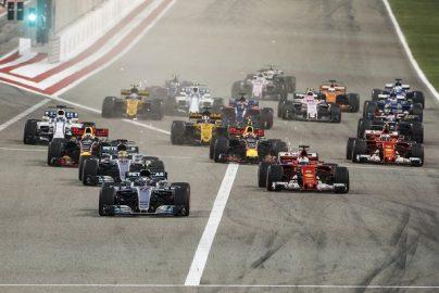 自動車レースの最高峰「F1」がエンタメ重視にかじを切ったワケのサムネイル画像