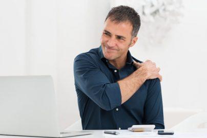プロが教える 肩こりになりにくい仕事時間の過ごし方のサムネイル画像