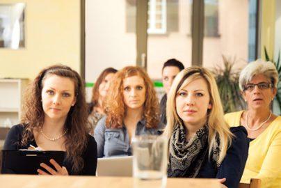 女性が参加しやすい不動産投資セミナーとは?のサムネイル画像