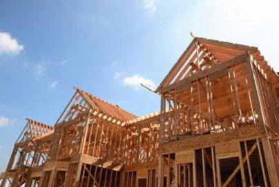 住宅着工件数は121.5万件、許可件数は125.4万件と、いずれも市場予想を上回る伸びに回復のサムネイル画像