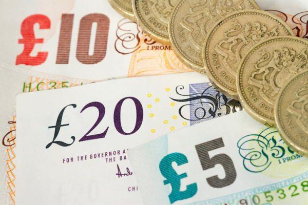 キャッシュレス化進む英国 7割が「現金よりも電子決済」