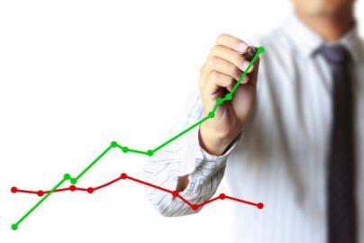 【投資のヒント】下方修正でも2社以上が目標株価を引き上げた銘柄はのサムネイル画像