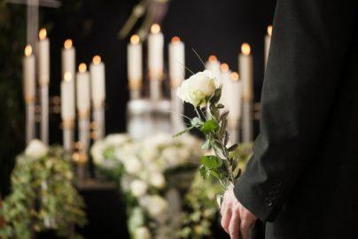 葬儀も「合理的」に 家族葬増加3つの理由のサムネイル画像