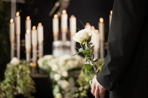 葬儀も「合理的」に 家族葬増加3つの理由
