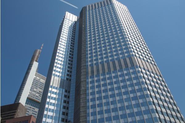 ECB政策理事会,銀行不良債権問題