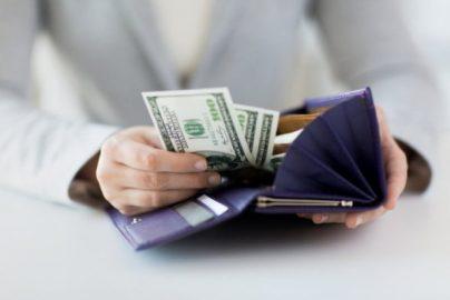 月収35万円でも貯金できない。アラサー女性の「誰にも言えない」お金の悩みのサムネイル画像