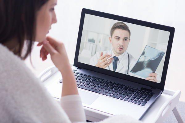 オンライン診療優遇 関連銘柄に注目