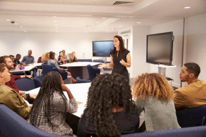 英初のFinTech学位コース 金融の基礎から国際FinTech市場まで集中学習のサムネイル画像