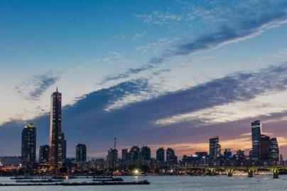 踏んだり蹴ったりの韓国経済 世界各国の中で「偏差値50以下」のサムネイル画像