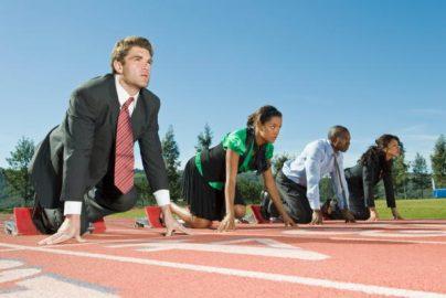 2017年銀行の重要課題「FinTech競争力強化」「サイバー攻撃対策」のサムネイル画像