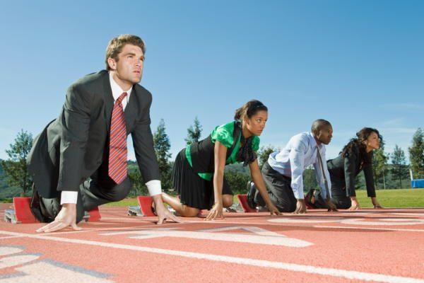2017年銀行の重要課題「FinTech競争力強化」「サイバー攻撃対策」