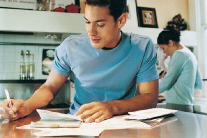 注意したい、失業保険と確定申告の関係とは のサムネイル画像