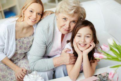 もしも親が認知症になってしまったら……「家族信託」は有効なのか?のサムネイル画像