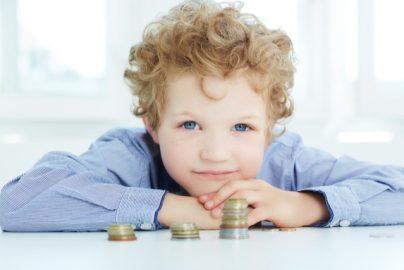 学資保険とは何?子どもの教育資金準備はどうしたらいい?のサムネイル画像