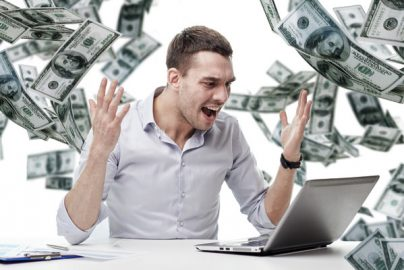 お金の将来不安、20→40代と年代あがるにつれ増大 アクサ生命調査のサムネイル画像