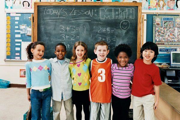 「素足教育」が素直で頭のいい子を創る?素行・集中力アップ