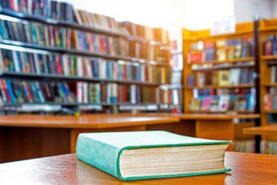 【読書の秋】或る銀行員がお薦めする「投資の役に立つ本」5選のサムネイル画像