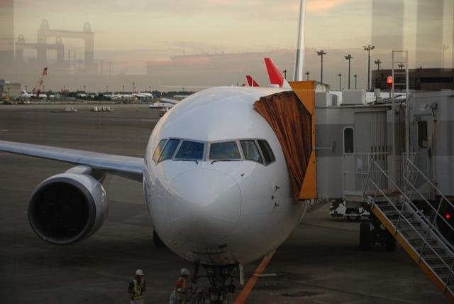 JAL・ANAともに3Q決算はそろって好調―スカイマークは民事再生のサムネイル画像